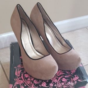 Qupid taupe and black suede heels